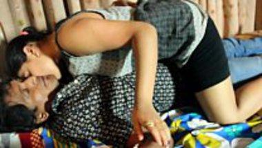 Hindi masala Indian porn video of Delhi desi girl do sexual masti