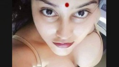 sexy Mallu Girl Showing Her Boobs and Pussy
