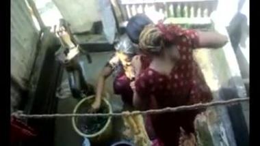 Hidden Cam XXX: Bangla desi village girls bathing in Dhaka city HQ