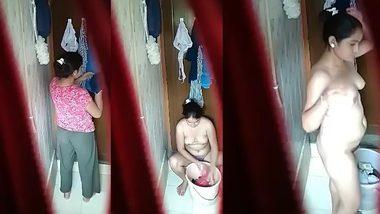 Free desi porn watch as XXX sexy wife nude spy bath