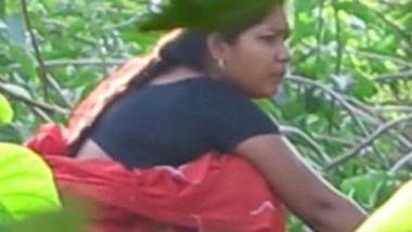 Voyeur sees the Desi woman and immediately film peeing porn video