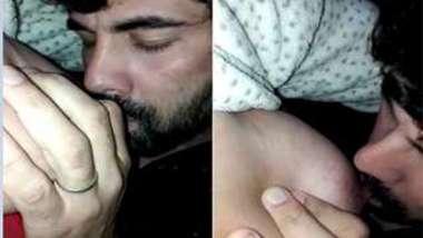 Amateur chudai video of bearded man licking Paki wife's nipple
