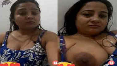 Indian webcam model's show lasts like a full-fledged porn video