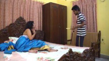 Horny homely bhabhi sex with servant video