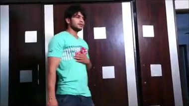 INDIAN LATEST SHOWER SEX MOVIE VIDEO WITH HINDI...