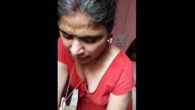 Desi Bhabhi having affair with Lover Handjob Hard Fucked